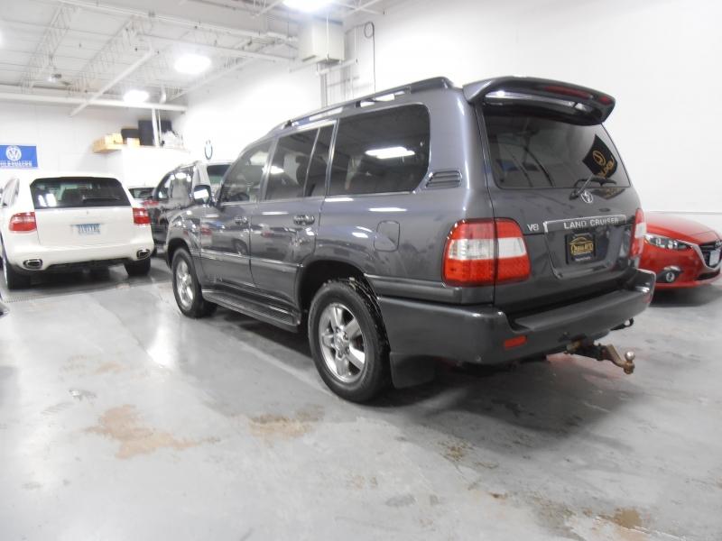 Toyota Land Cruiser 2006 price $16,498