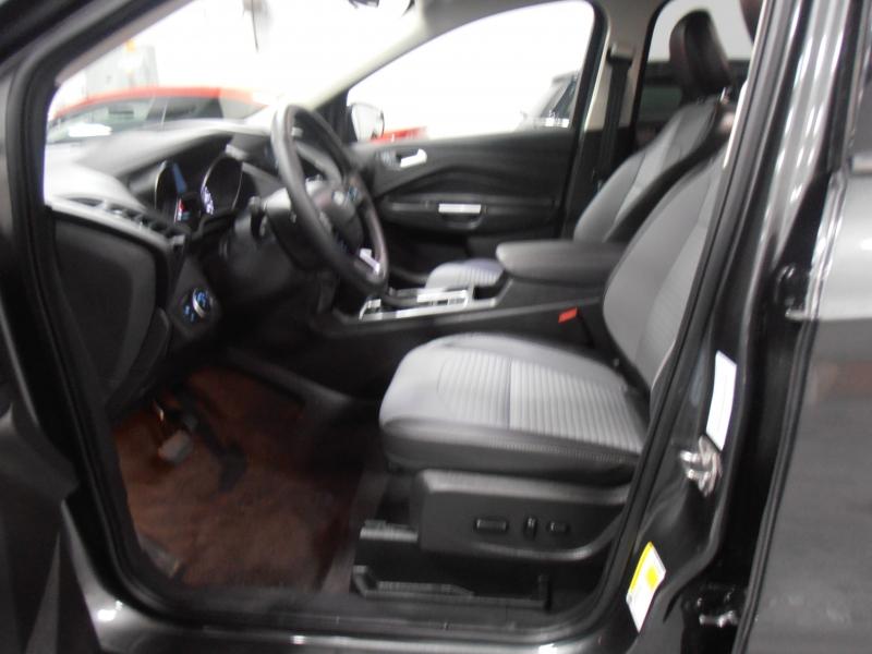 Ford Escape 2019 price $16,498