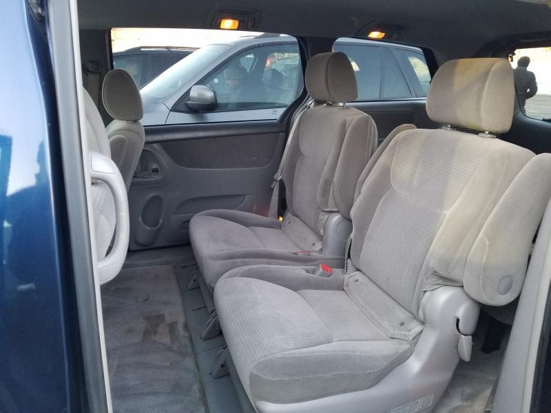 Toyota Sienna 2006 price $4,998