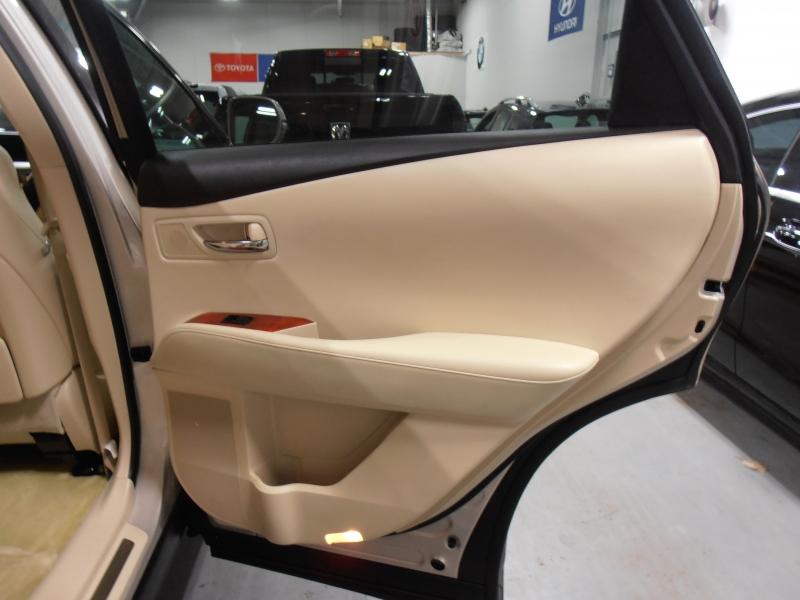Lexus RX 450h 2012 price $14,398