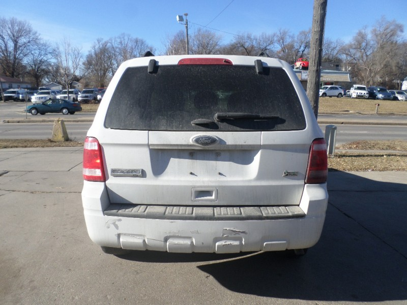 Ford Escape 2011 price $3,888