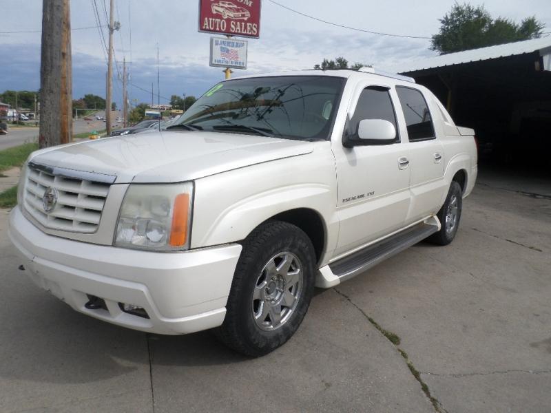 Cadillac Escalade EXT 2002 price $4,995