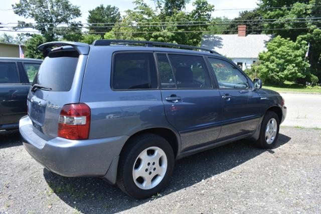 Toyota Highlander 2004 price $5,499