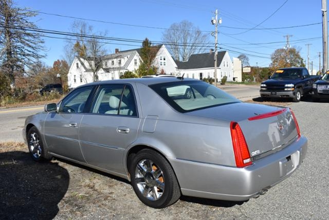 Cadillac DTS 2006 price $5,999