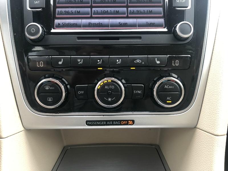 Volkswagen Passat 2012 price $7,125