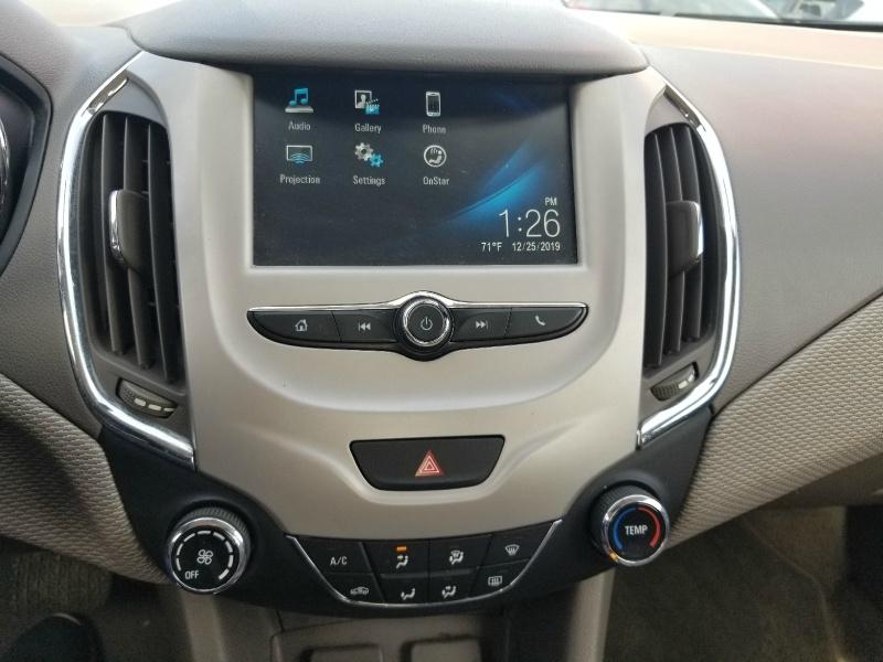 Chevrolet Cruze 2017 price $9,899