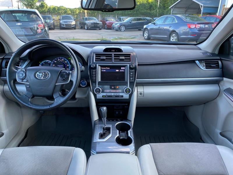 Toyota Camry Hybrid 2012 price $11,750