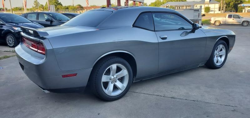 Dodge Challenger 2011 price $9,400