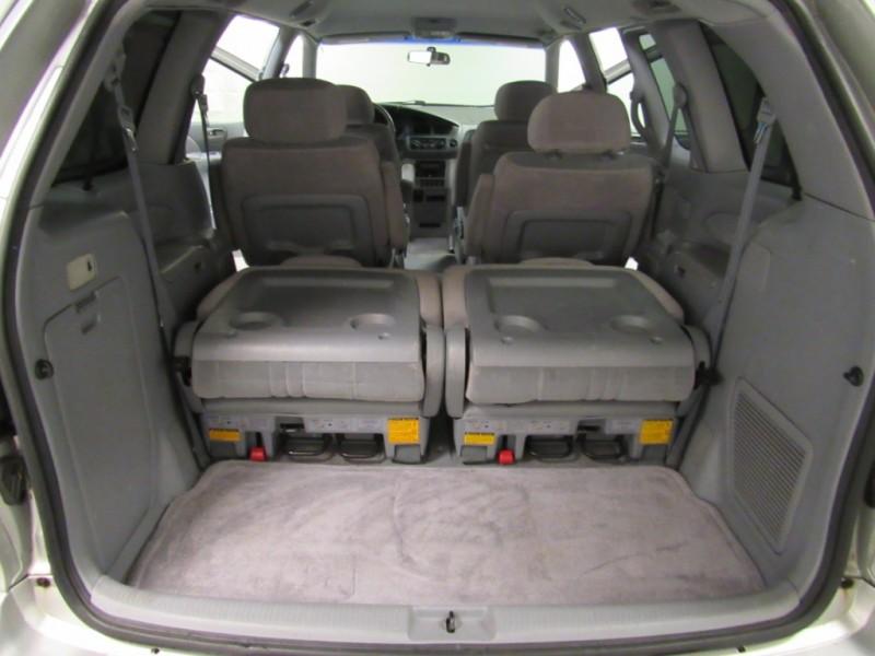 Toyota Sienna 2002 price $2,495