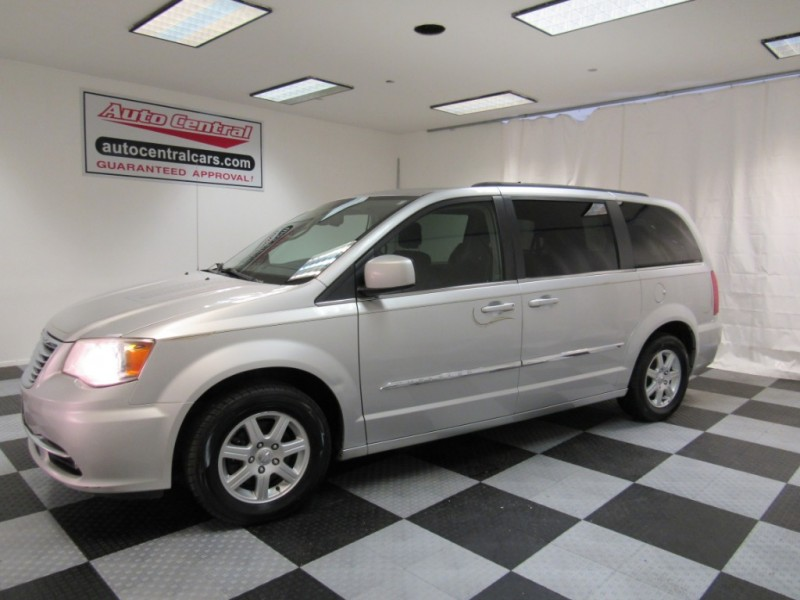 Chrysler Town & Country 2012 price $7,999