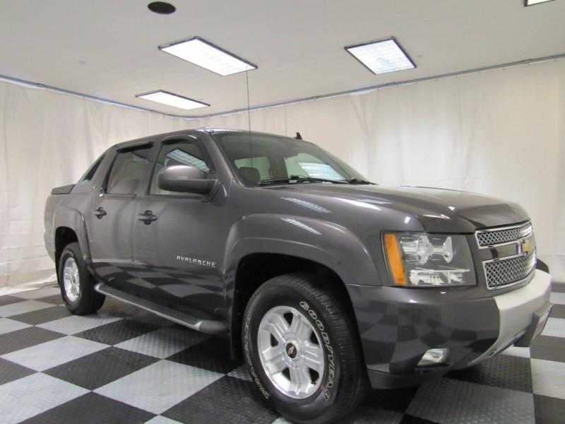 Chevrolet Avalanche 2010 price $14,999