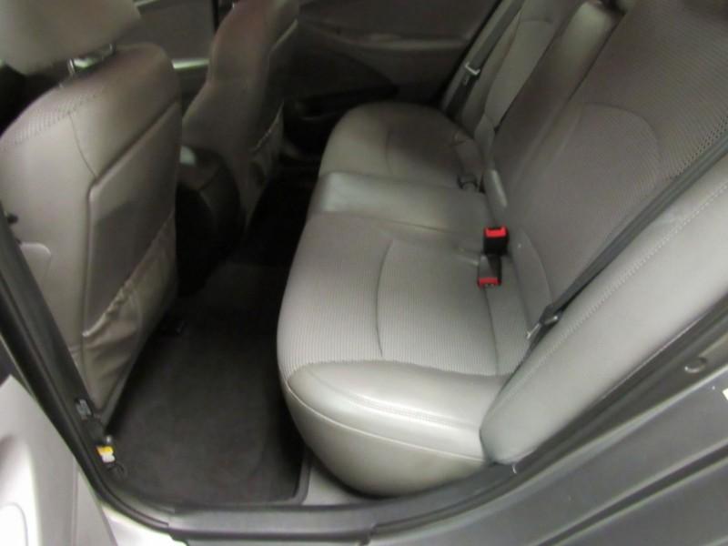 Hyundai Sonata 2011 price $6,922