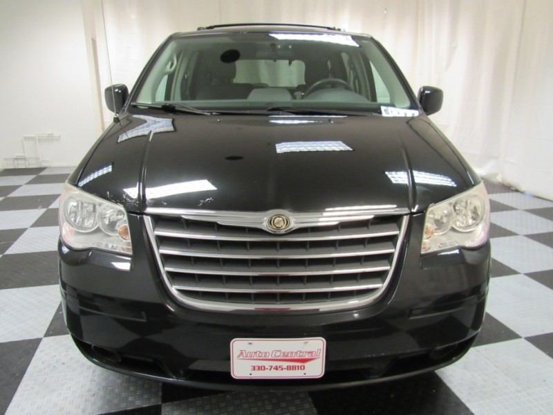 Chrysler Town & Country 2010 price 5995