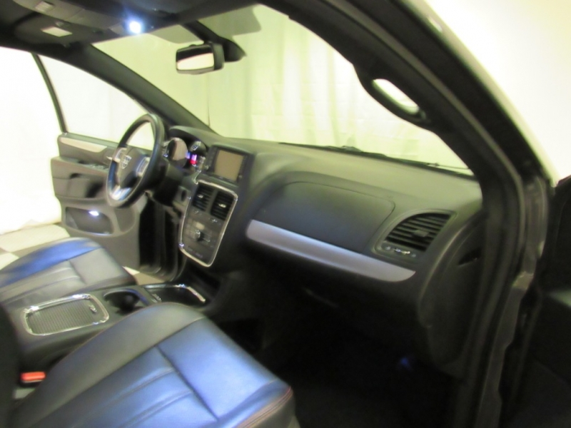Dodge Grand Caravan 2018 price $15,999