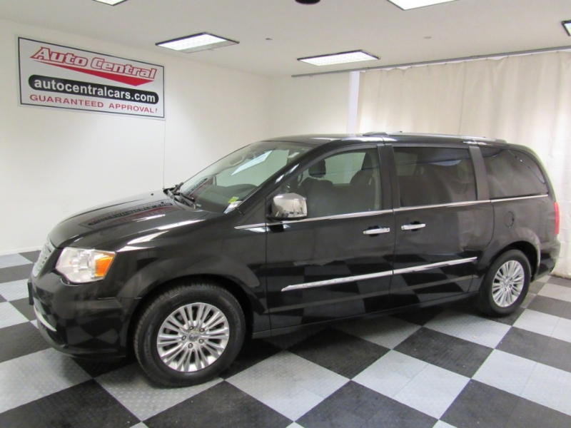 Chrysler Town & Country 2015 price $15,999
