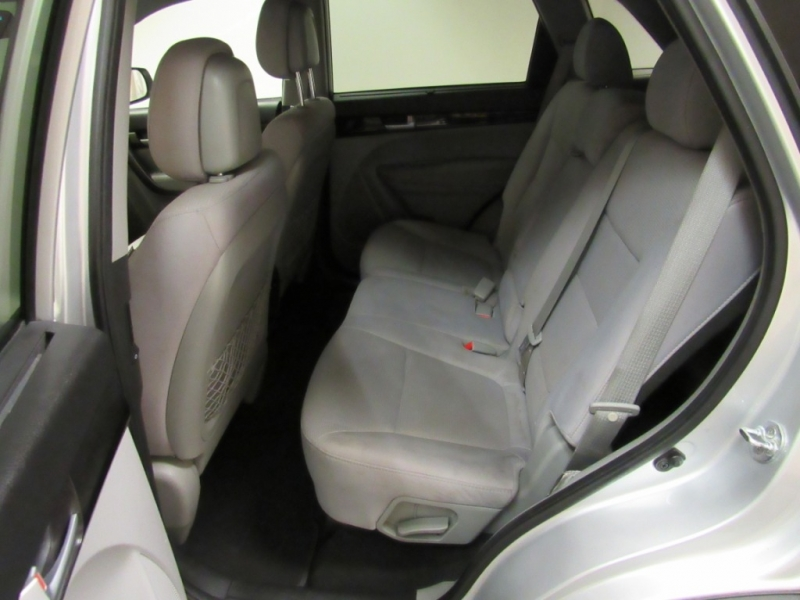 Kia Sorento 2015 price $9,902