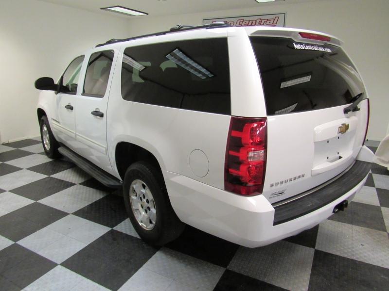 Chevrolet Suburban 2009 price $7,988