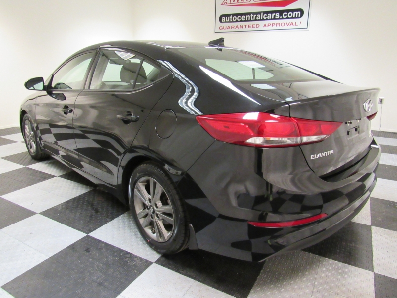 Hyundai Elantra 2018 price $8,808