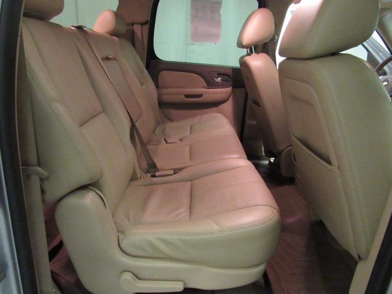 Chevrolet Suburban 2010 price $9,995