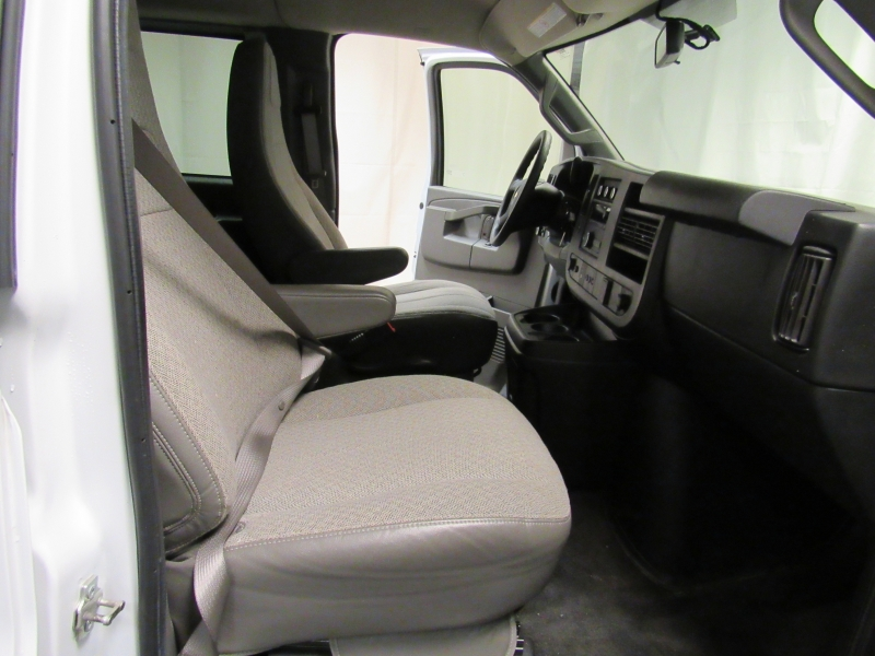 Chevrolet Express Passenger 2017 price $18,995
