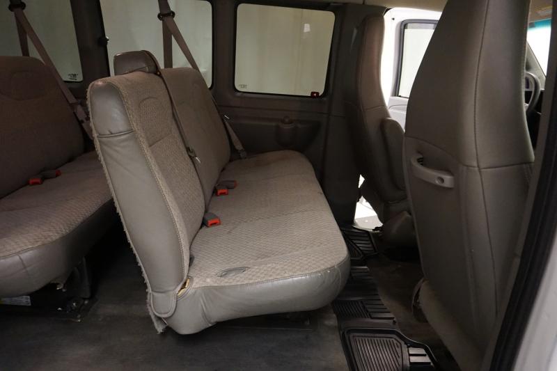Chevrolet Express Passenger 2017 price $13,995