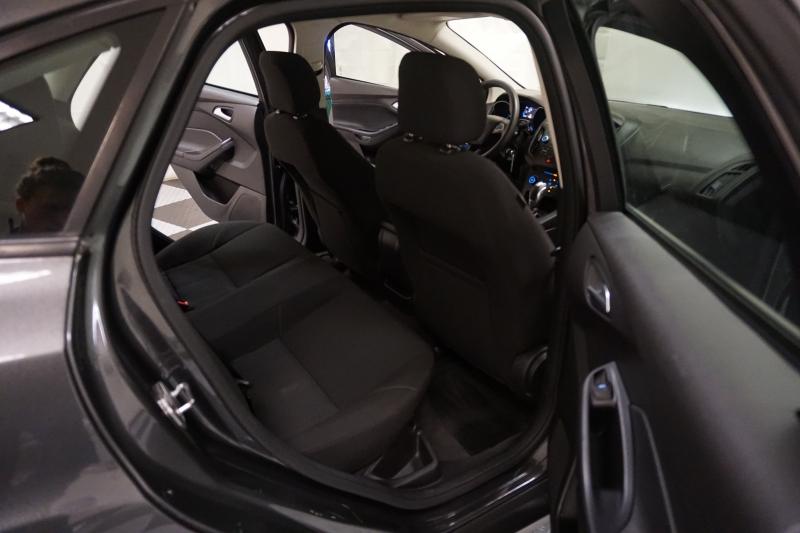 Ford Focus 2015 price $7,995