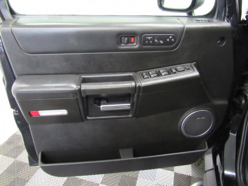 Hummer H2 2005 price $15,995