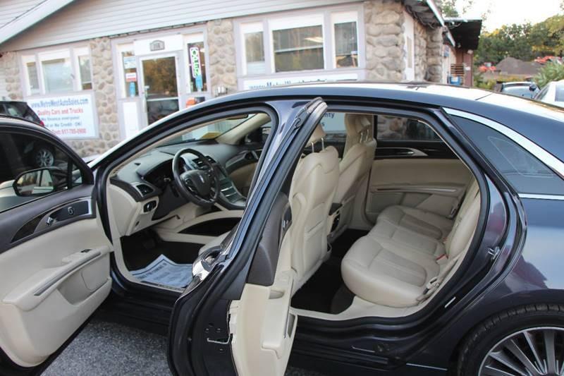 Lincoln MKZ Hybrid 2013 price $9,998