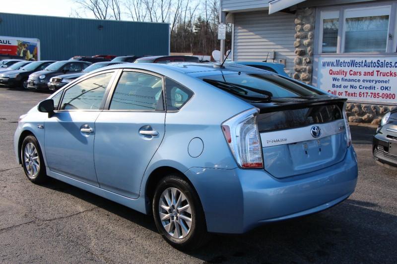 Toyota Prius Plug-in Hybrid 2012 price $8,998