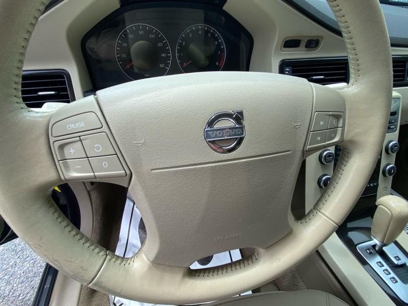 Volvo V70 2008 price $6,788