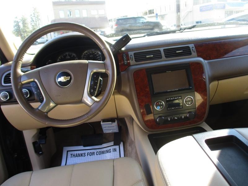 Chevrolet Suburban 2012 price $18,995
