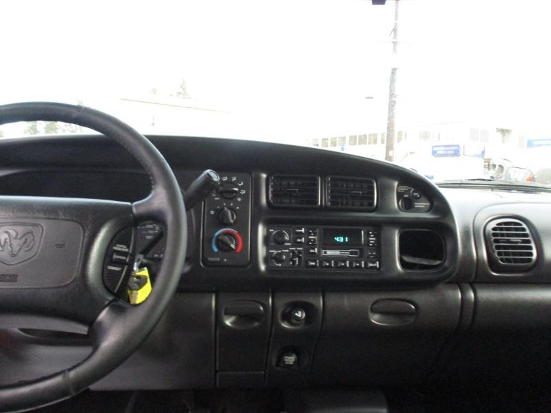 Dodge Ram 1500 2001 price $4,995