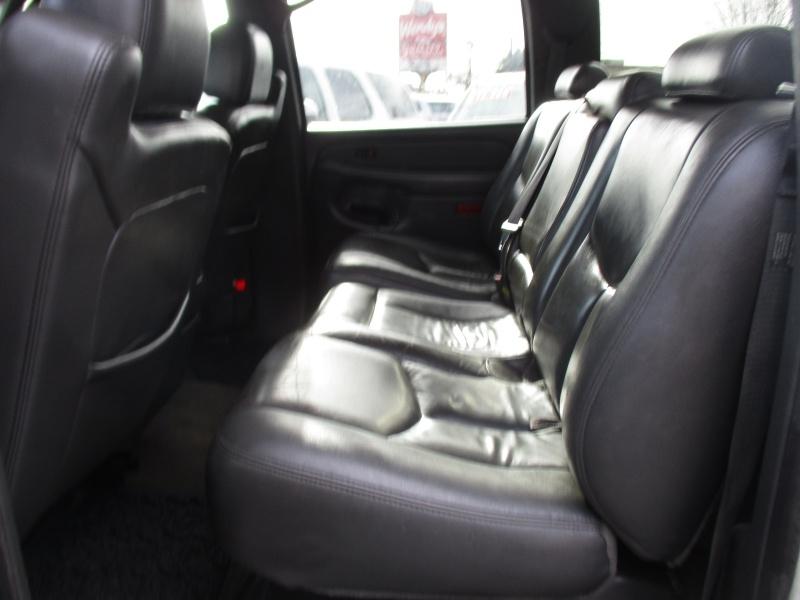 GMC Sierra 3500 2004 price $13,995
