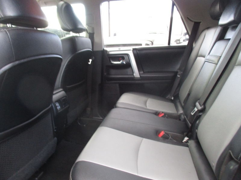 Toyota 4Runner 2018 price $35,995