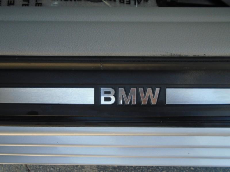 BMW 5-Series 2011 price $12,488