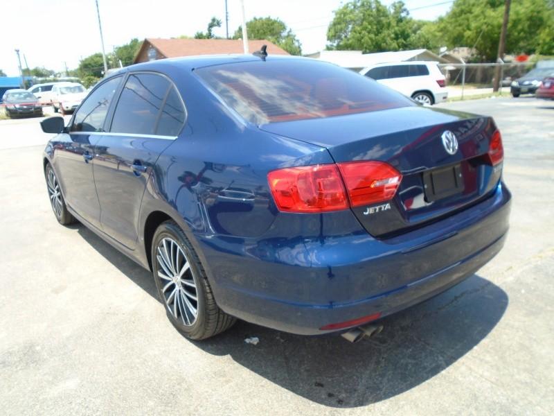 Volkswagen Jetta Sedan 2012 price $8,988