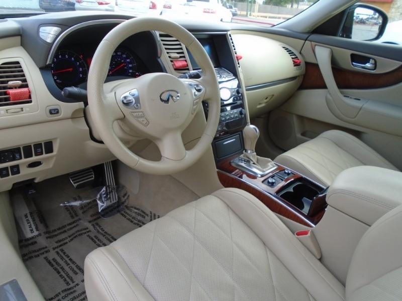 Infiniti FX35 AWD w/TECH PKG 2011 price $14,488
