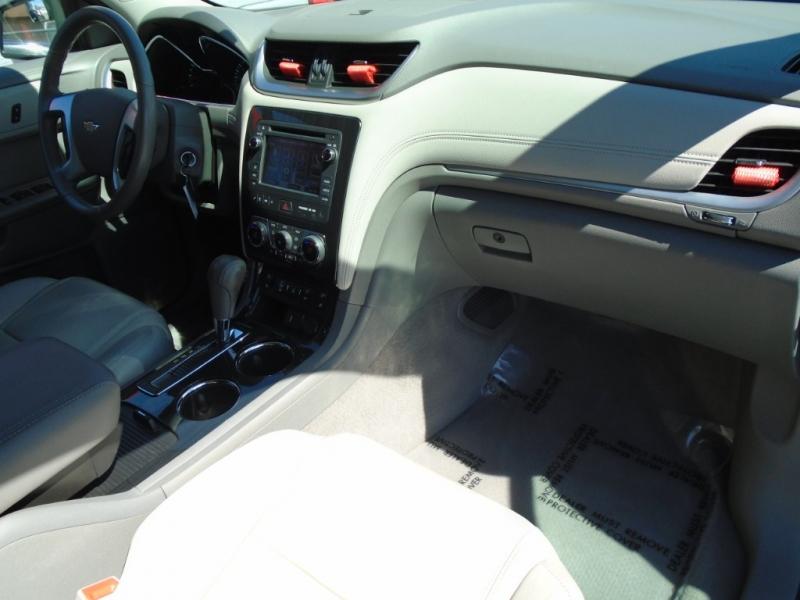 Chevrolet Traverse 2015 price $15,988