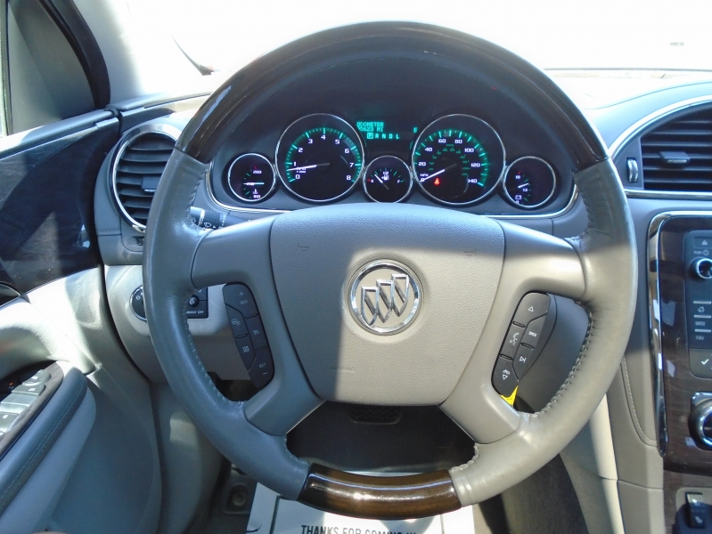 Buick Enclave 2015 price $14,950