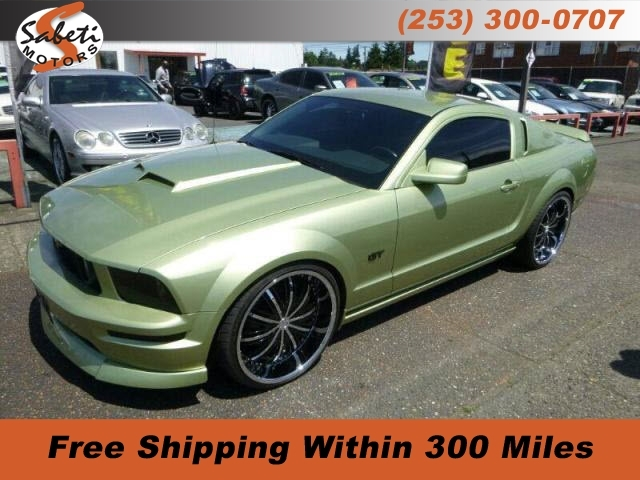 Ford Mustang 2006 price $28,990