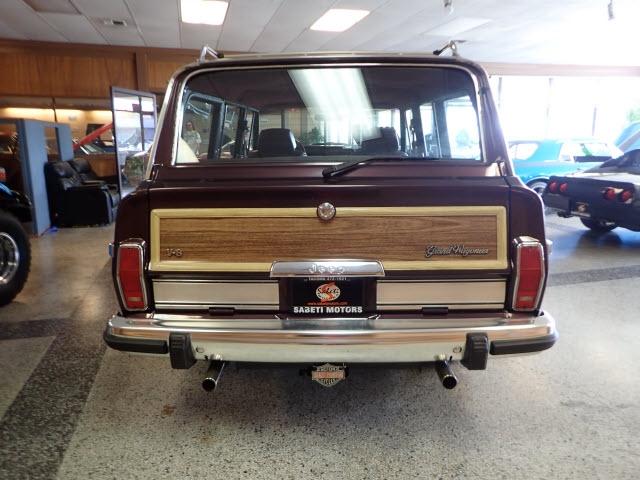 Jeep Grand Wagoneer 1990 price $30,890