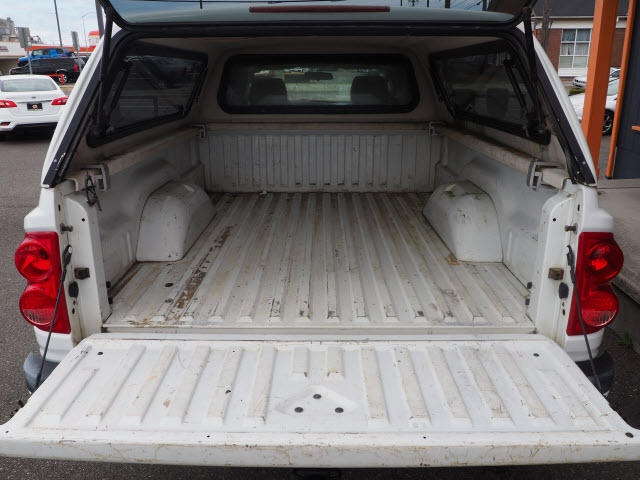 Dodge Dakota 2010 price $13,990