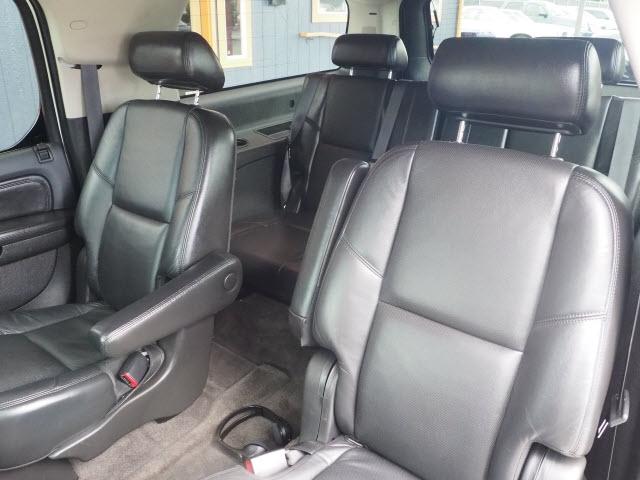 Cadillac Escalade 2009 price $14,990