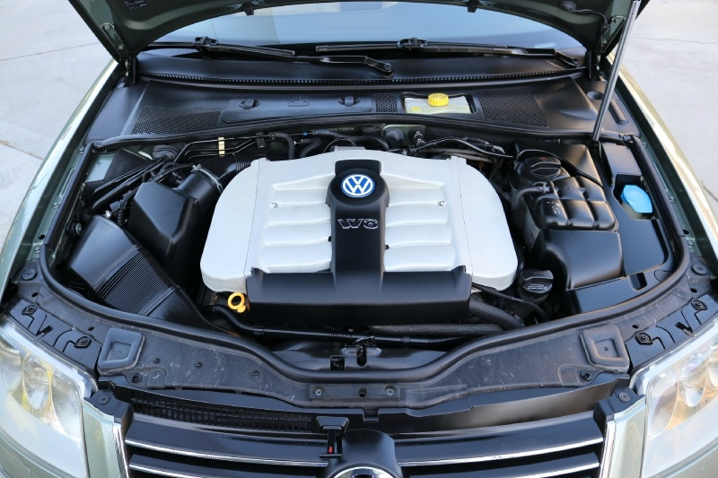 Volkswagen Passat W8 Wagon 2003 price $0