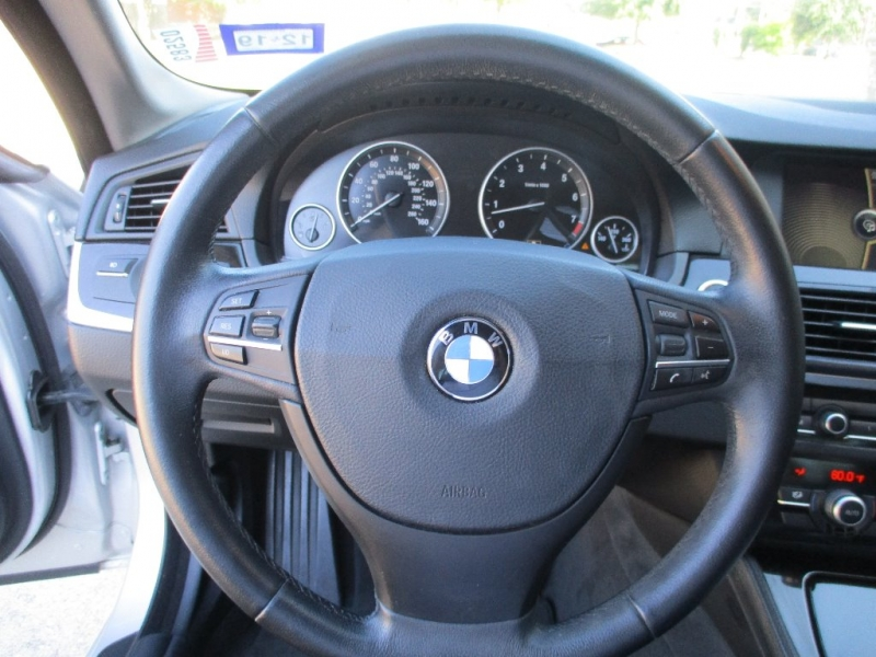 BMW 5-Series 2011 price $8,900