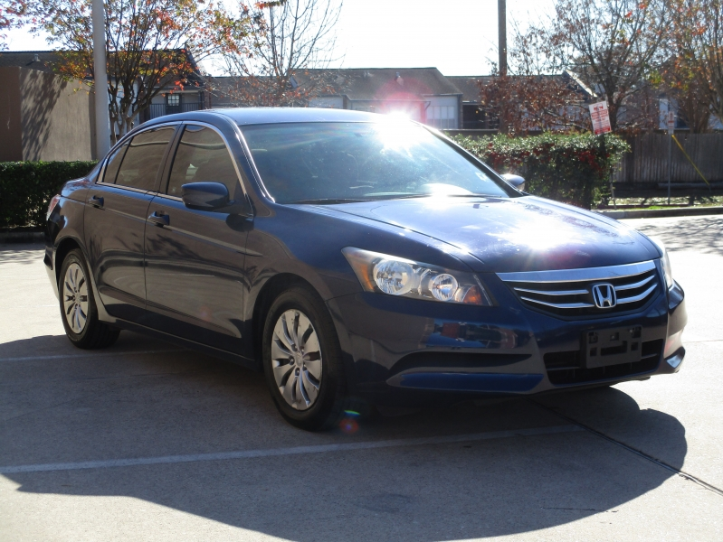 Honda Accord Sdn 2012 price $6,900
