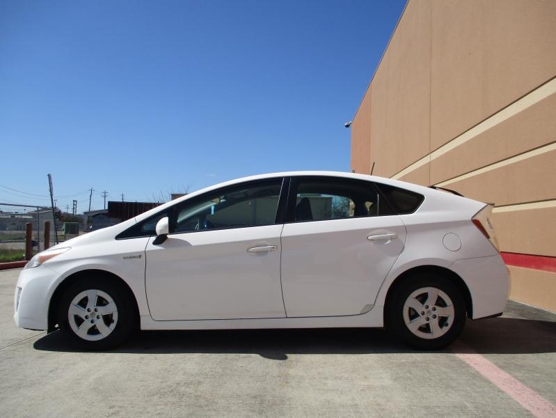 Toyota Prius 2011 price $5,200