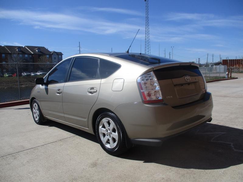 Toyota Prius 2008 price $4,200