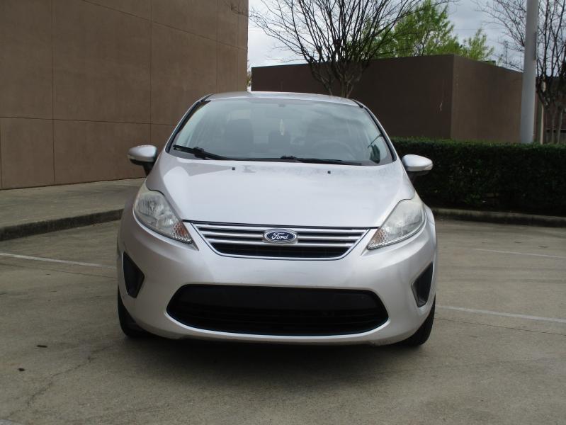 Ford Fiesta 2013 price $3,900
