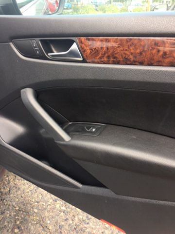 Volkswagen Passat 2013 price $8,950